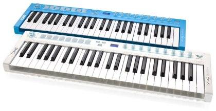 Пианино синтезатор на клавиатуре